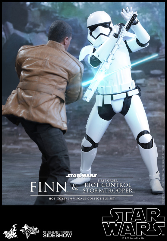 [Store Display] Episode VII The Force Awakens - Finn and First Order Riot Control Stormtrooper Movie Masterpiece Set