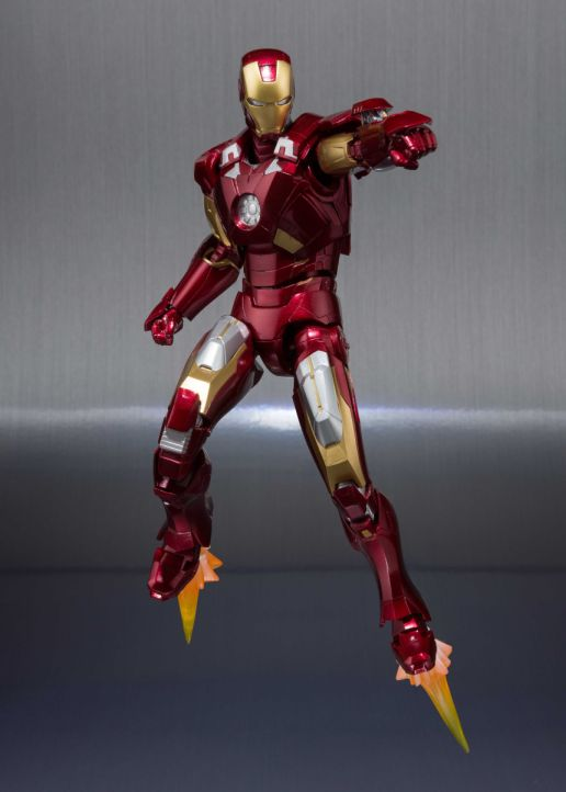 [Pre-Order] S.H. Figuarts: Marvel - Iron Man Mark VII with Hall of Armor Set